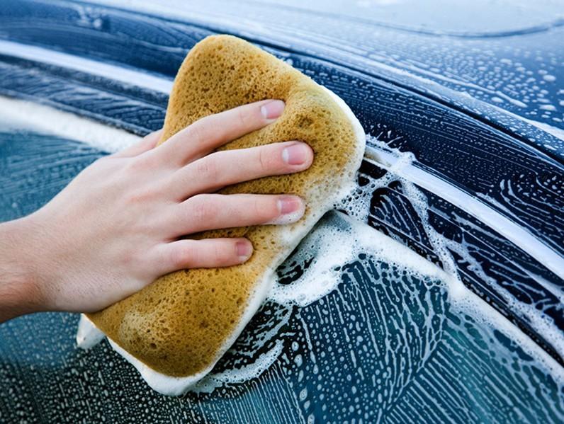 Lavar el carro con frecuencia
